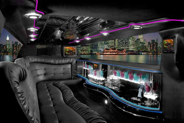 Chrysler 300 limo interior Green Valley